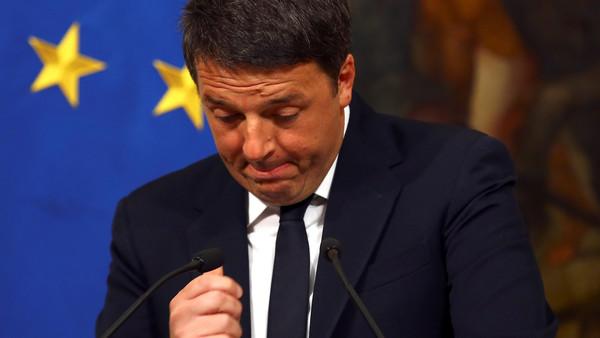 رئيس الوزراء الإيطالي يستقيل من منصبه إثر الإعلان عن نتائج الاستفتاء