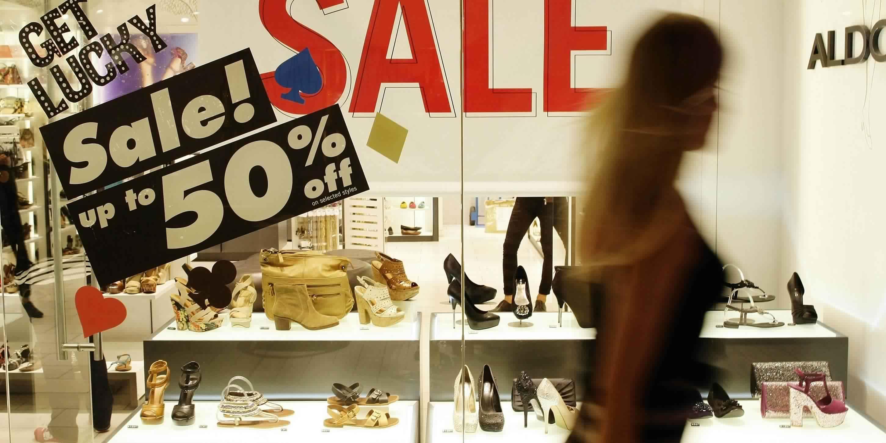 مبيعات التجزئة البريطانية تنخفض أكثر من التوقعات بنحو 1.5% خلال ديسمبر