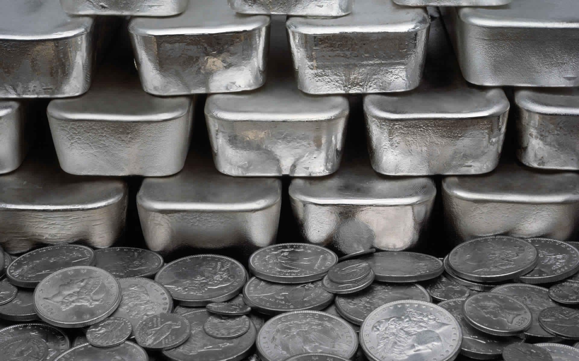 الفضة تقفز إلى مستوى 19.69 دولار فهل تتفوق مكاسبها على الذهب ؟