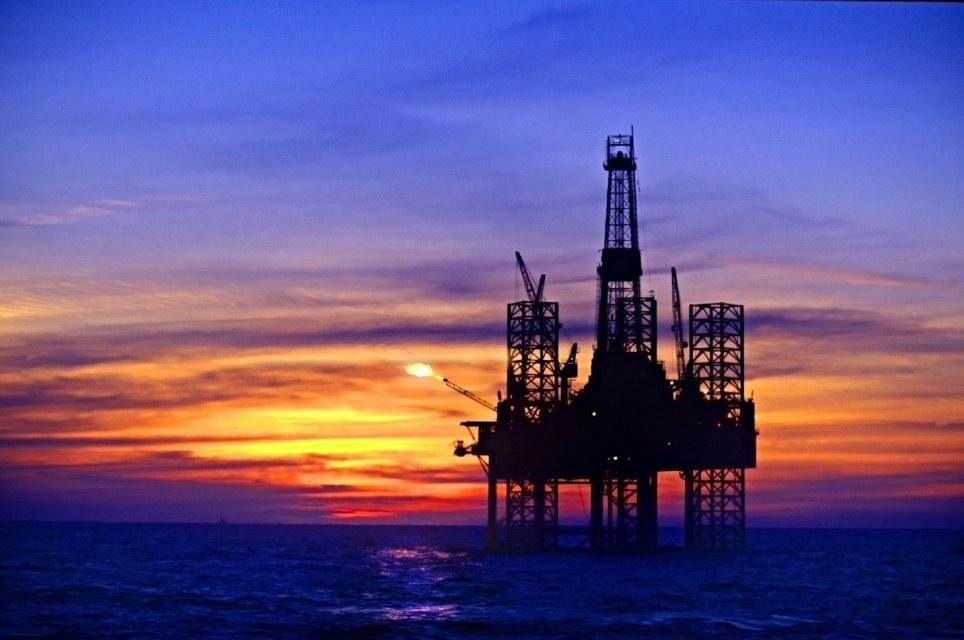 النفط الخام لا يزال منخفضا وسط ترقب تقارير عن اسواق النفط هذا الاسبوع