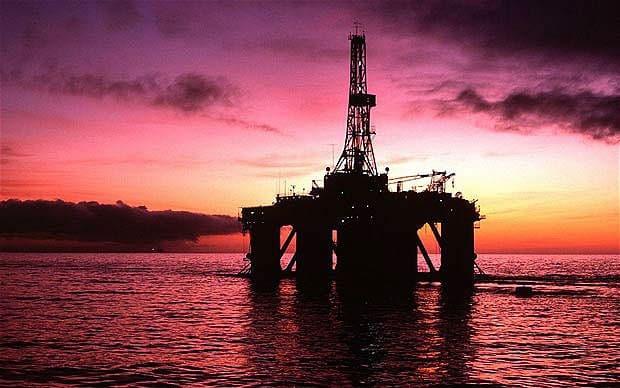 النفط الخام يحاول التعافي من خسائره اثر تراجعه لأدنى مستوى منذ اتفاق أوبك