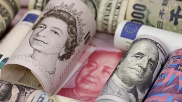 الاسترليني يهبط دون 1.21 دولار والإنتخابات العامة تلوح في الأفق