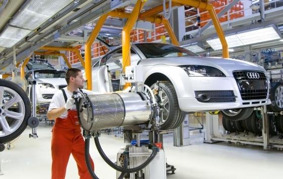 النشاط الصناعي البريطاني ينخفض عكس التوقعات إلى 55.3 نقطة خلال يناير