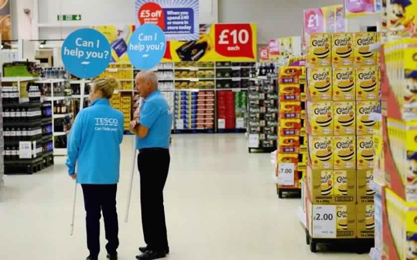 مبيعات التجزئة البريطانية تنخفض بنحو 0.1% في يناير