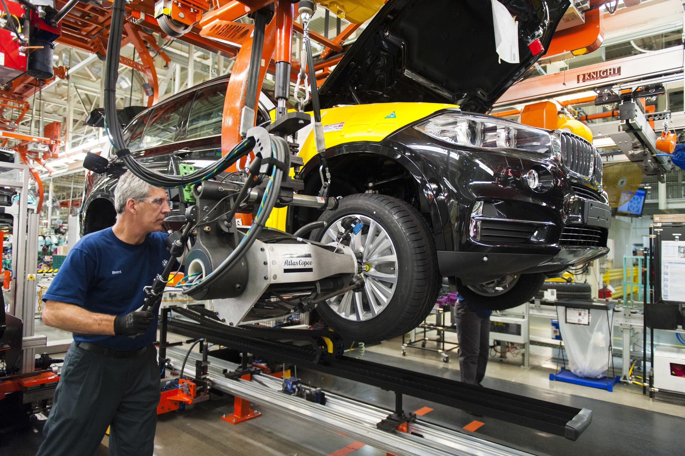 تباطؤ التصنيع في المملكة المتحدة قبل الموعد النهائي لبريكسيت