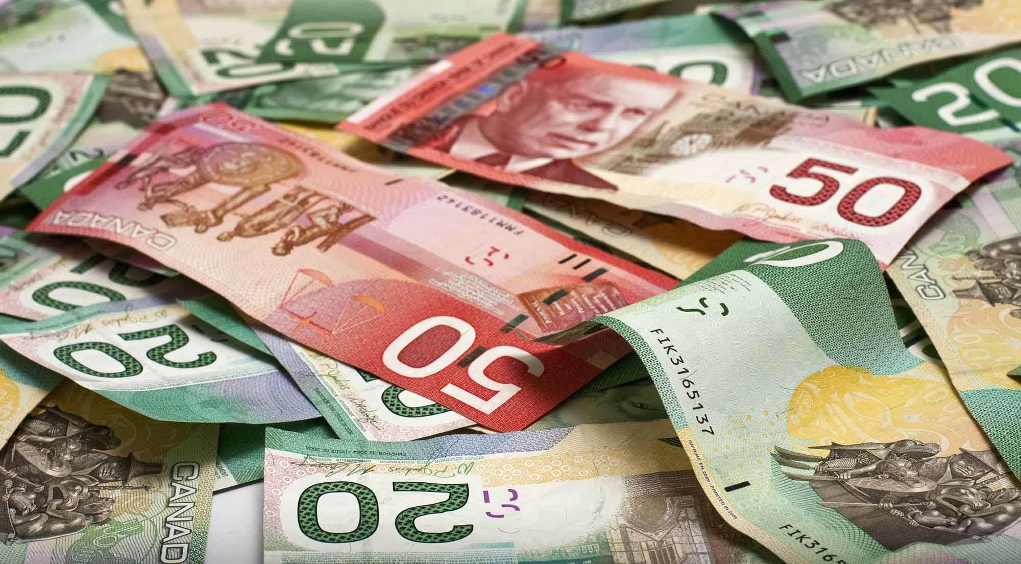 زوج الدولار الأمريكي مقابل الدولار الكندي يهبط دون مستوى 1.31 دولار