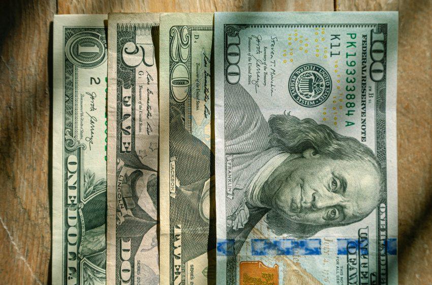 تعاملات العملات الرئيسية : مؤشر الدولار / اليورو بأولى جلسات الأسبوع