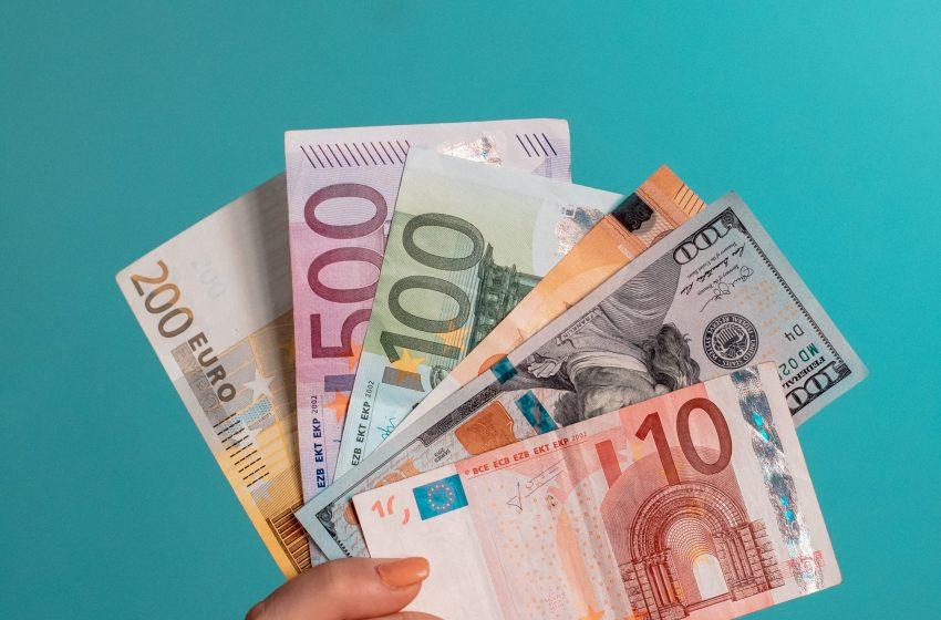 تحركات العملات الرئيسية مقابل الدولار الأمريكي خلال اليوم الثلاثاء 12 أكتوبر