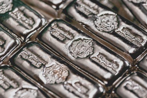 العقودالفورية لأسعار الفضة